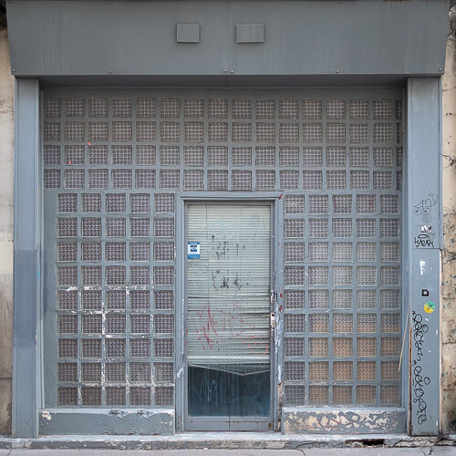 Axel Ronsin | Square closed storefront 7