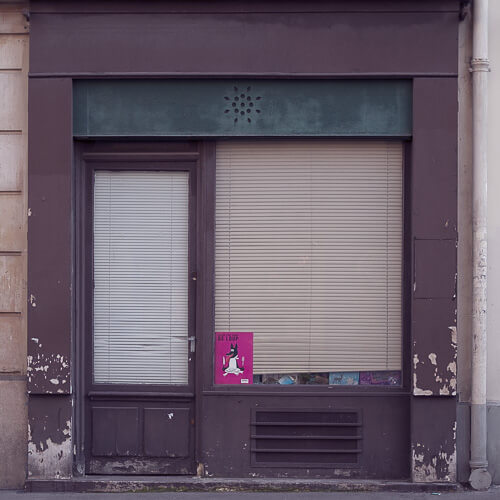 Axel Ronsin | Square closed storefront 9
